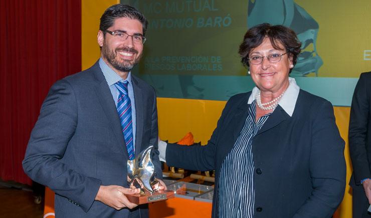 Gonzalo de la Rosa, Director de RRHH de Cetelem, recoge el premio Antonio Baró a la prevención de riesgos laborales